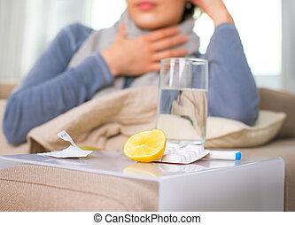 syg, woman., flu., kvinde, fange forkølelse