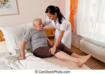 sygeplejerske, ind, elderly omsorg, by, den, gammelagtig