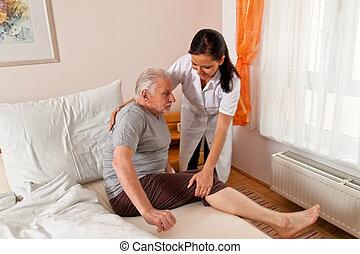 sygeplejerske, ind, elderly omsorg, by, den, gammelagtig,...