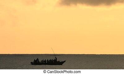 sylwetka, łódka, wschód słońca