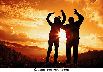 sylwetka, kobieta, zachód słońca, młody mężczyzna