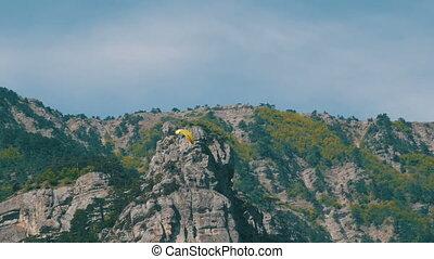 sylwetka, przelotny, niebo, żółty, paraglider, przeciw