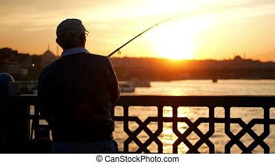 sylwetka, rybak, wschód słońca