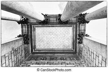 Symbolic columns.