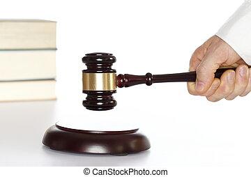 symbolique, tribunal
