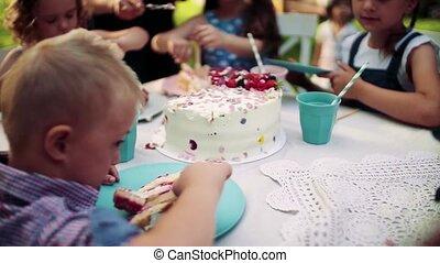 syndrome, fête, dehors, enfant, amis, anniversaire, jardin,...
