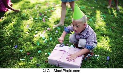 syndrome, fête, dehors, enfant, garden., amis, anniversaire,...