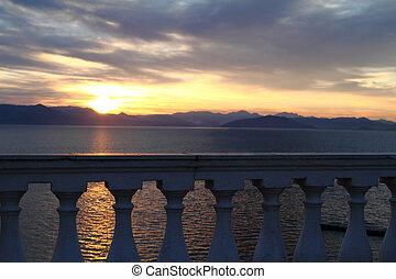 synhåll, till, den, vacker, soluppgång, ovanför, den, hav, från, a, balkong