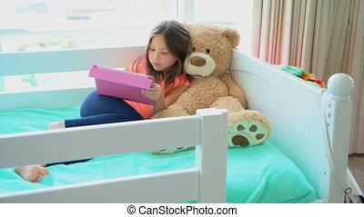 sypialnia, łóżko, tabliczka, dziewczyna, używając, 4k,...