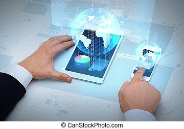 számítógép, smartphone, üzletember, dolgozó, asztal