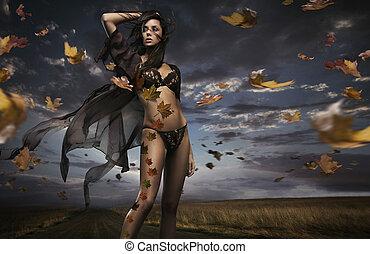 szépség, barna nő, alatt, a, szeles, időjárás