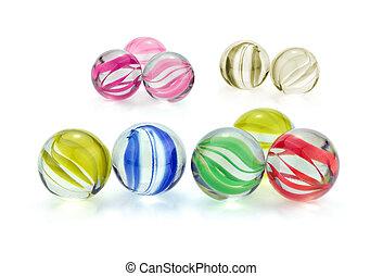 színes, pohár üveggolyó