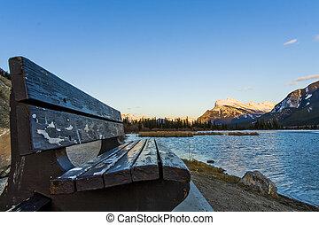 színpadi, vermillion, tó, alatt, banff nemzeti dísztér