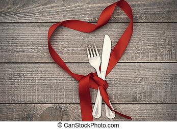 szív alakzat, szalag, ezüstnemű, konyha