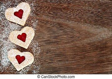 szív alakzat, valentines nap, süti, lejtő, határ, noha, púder cukor, felett, egy, falusias, erdő, háttér