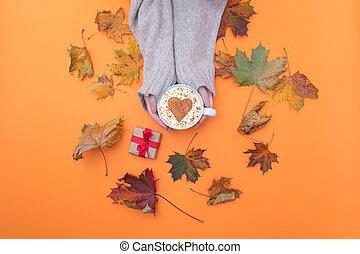 szív, cappuccino, felül, csésze, alakít, hatalom kezezés, kilátás
