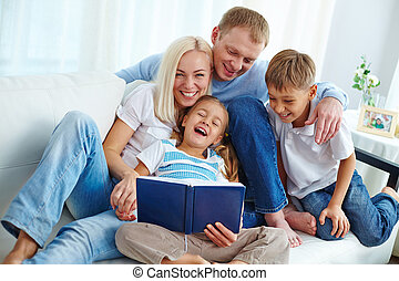 szórakozás, család