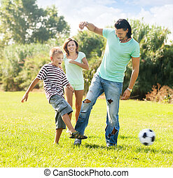 szülők, gyermekek, játék, noha, focilabda