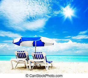 szünidő, és, idegenforgalom, concept., sunbed, a parton
