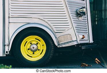 szüret, furgon, részletez