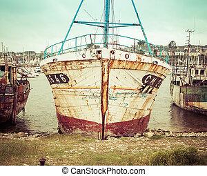 szüret, halászhajó