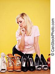 szőke, bájos, eldöntés, cipők