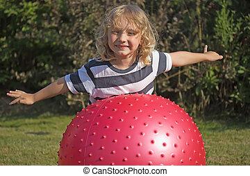 szőke, fiú, van, játék, noha, gymnastic labda