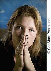 szőke, nő, noha, összehajt kezezés