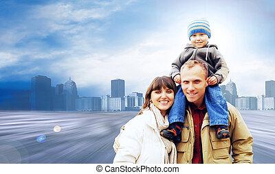 szczęśliwy, droga, portret, rodzina, uśmiechanie się, miasto, outdoors