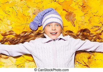 szczęśliwy, dziewczyna, pieśń, w, autumn klon odchodzi