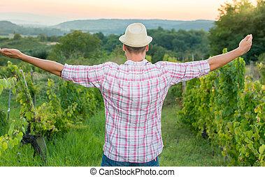 szczęśliwy, hałasy, winogrono, odprężając, rolnik