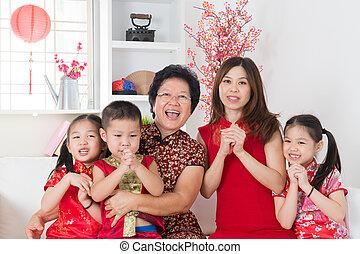 szczęśliwy, home., rodzina, asian, ponowne połączenie