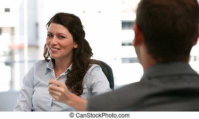 szczęśliwy, kobieta interesu, spotkanie, podczas