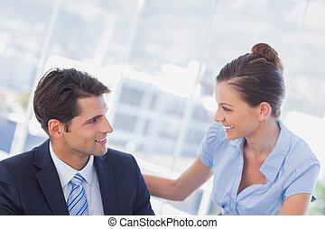 szczęśliwy, ludzie, uśmiechanie się, handlowy