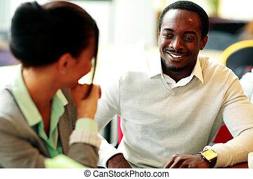 szczęśliwy, młody, businesspeople, pracujący, biuro