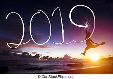 szczęśliwy nowy rok, 2019., człowiek skokowy, i, rysunek, na, plaża