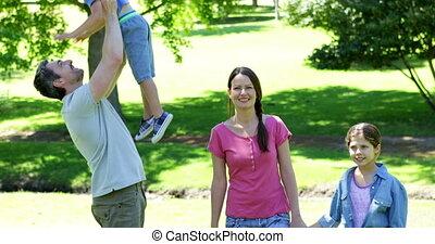 szczęśliwy, park, rodzina