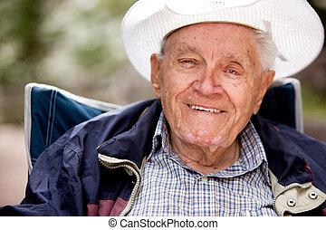 szczęśliwy, starszy człowiek