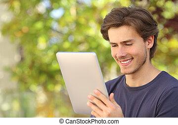 szczęśliwy, tabliczka, czytelnik, outdoors, czytanie, człowiek