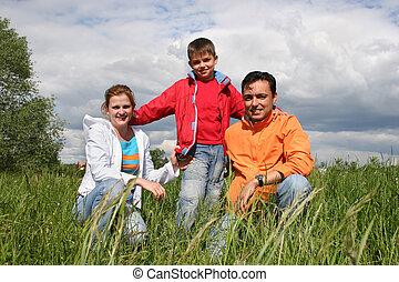 szczęśliwy, trawa rodzina, pozować