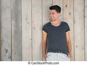 szczęśliwy uśmiechnięty, outdoors, młody mężczyzna