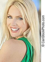 szczęśliwy uśmiechnięty, piękny, młody, blond, kobieta