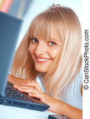 szczelnie-do góry, kobieta, laptop