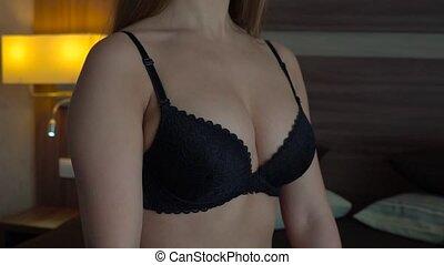 szczelnie-do góry, piersi, czarna samica, sexy, biustonosz
