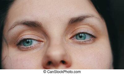 szczelnie-do góry, samica, zielonooki, precz, do góry, twarz, spojrzenia, aparat fotograficzny., dziewczyna, smutny, prospekt