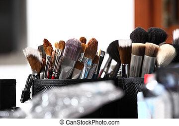 szczotki, makijaż