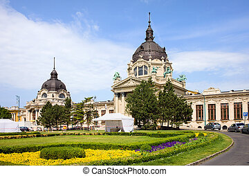 Szechenyi Medicinal Thermal Baths and Spa Neo-Baroque architecture in Budapest, Hungary.
