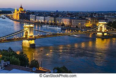 Szechenyi Chain or Lanchid bridge in night, Budapest
