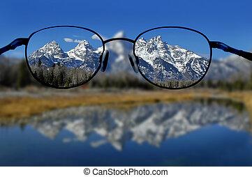 szemüveg, és, világos látvány, közül, hegyek