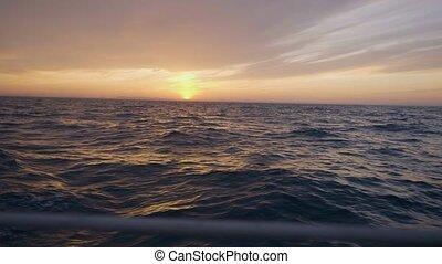 szenische ansicht, von, segelschiff, auf, goldener...